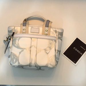 never been used coach purse.